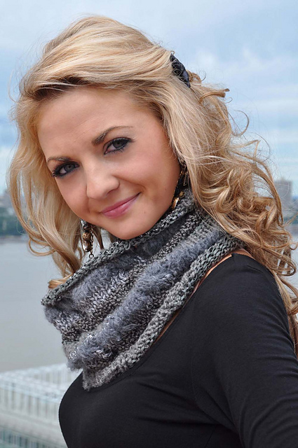 Learn to Knits Cables + Free Knitting Pattern for Fashionable Cowl Neck Scarf...