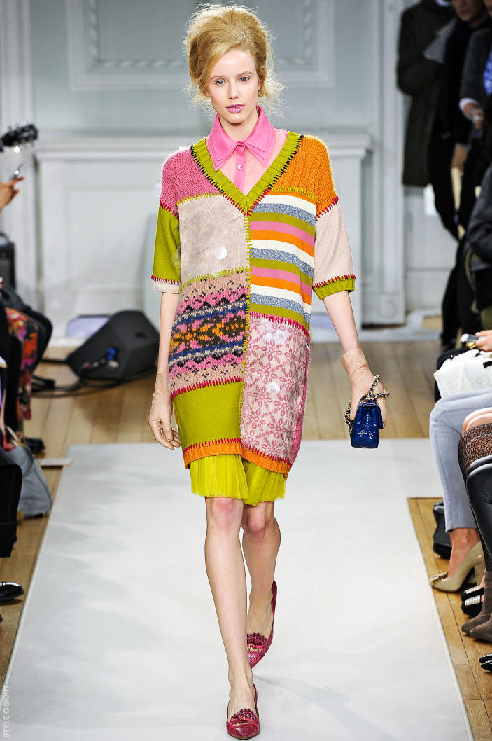 Knitwear trends on the runway fall 2012 moschino cheap Inexpensive chic