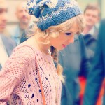 Taylor Swift in her Knitwear
