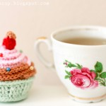 Knitted Cupcake and Tea Yum!