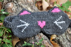 """Meow!"" Reversible Kitty Cat Eye Mask Knitting Pattern"