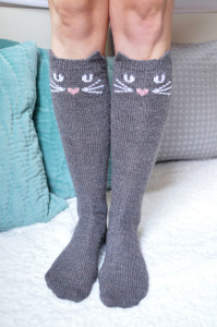check meowt knitted cat knee high socks knitting pattern 2