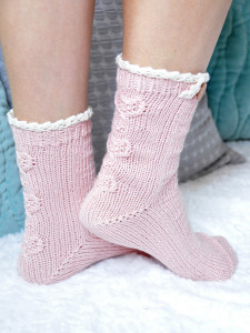 young at heart cable knit ankle socks with lace trim 3