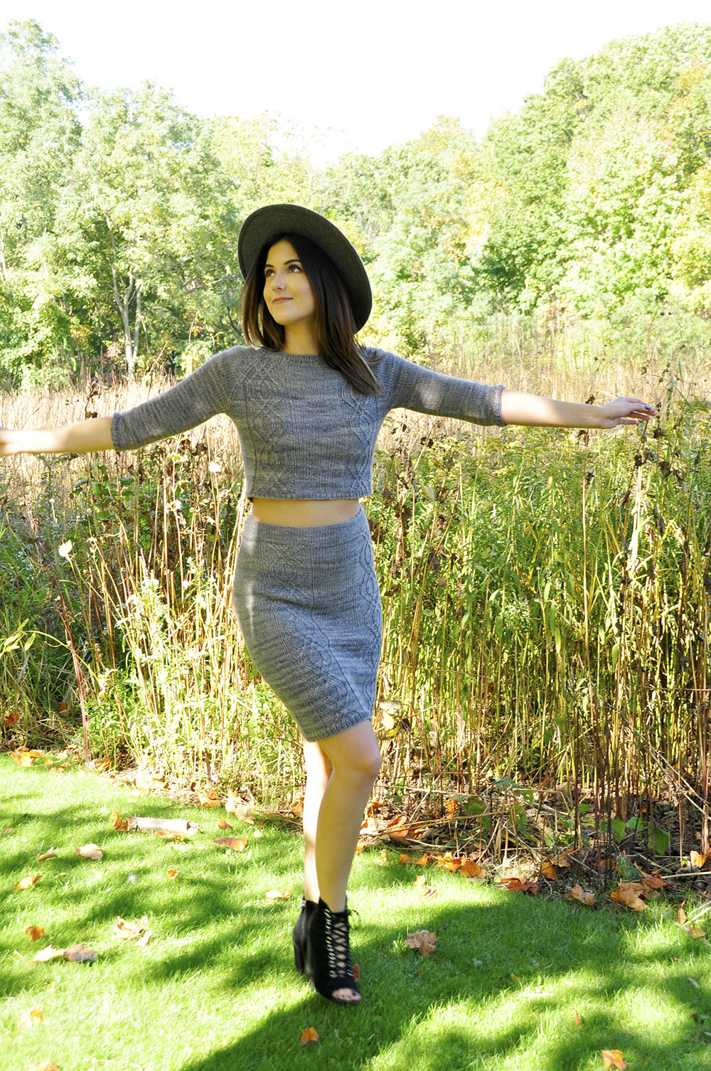crop-it-like-its-hot-knitted-crop-top-and-pencil-skirt-knitting ...